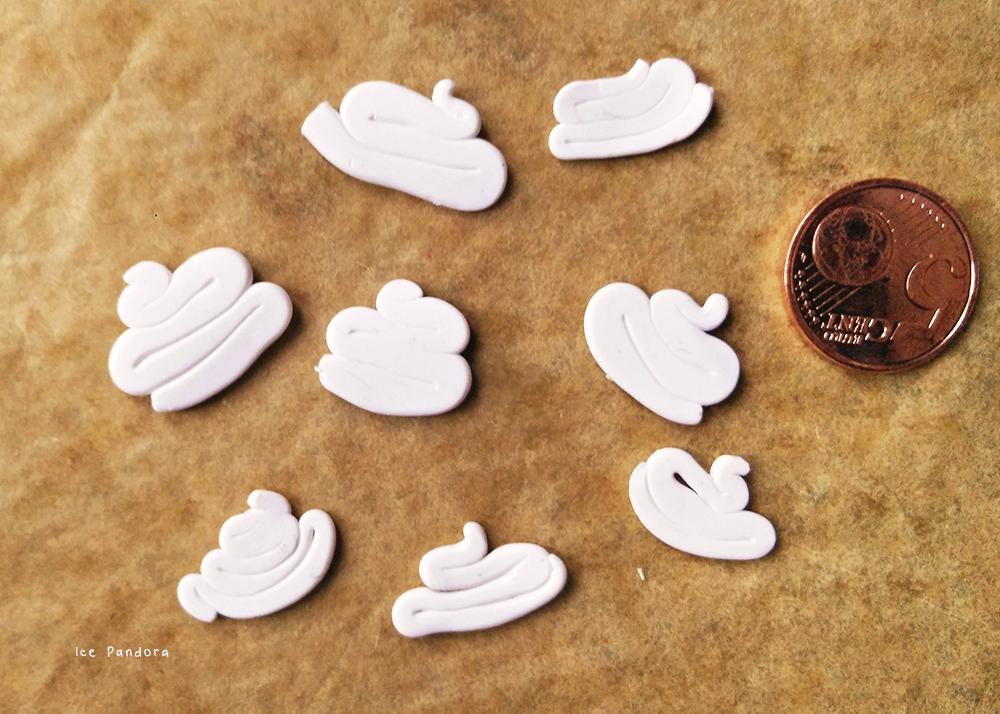 Брошь из полимерной глины-раскатайте пенку