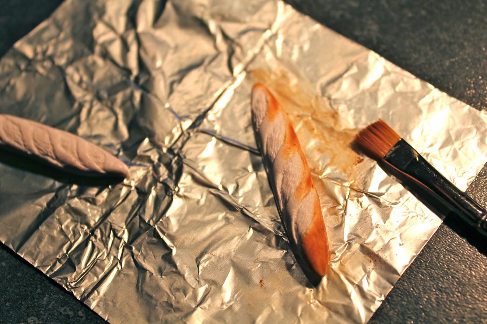Еда из полимерной глины-покрасьте багет