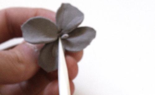 Гортензии из глины-сделайте серединку