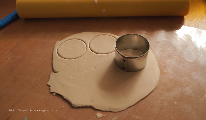 Мороженое из полимерной глины-выдавите кружки