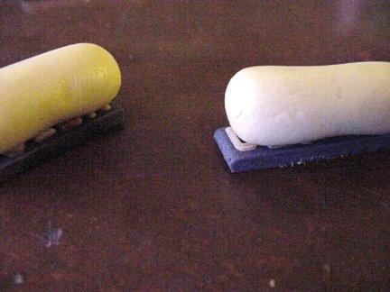 Штамп из глины-поместите колбаски на надписи