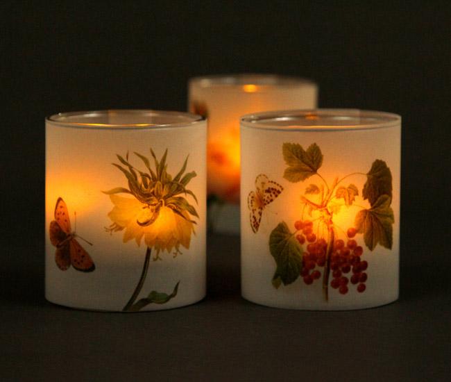 Свечи на свадьбу с заженной свечой
