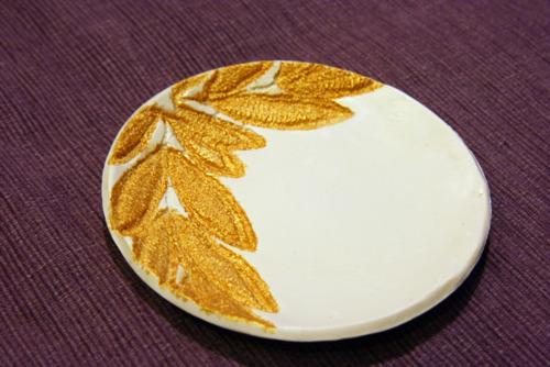 Тарелочка для колец с золотой отделкой
