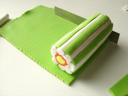 Трость из глины-раскатайте зеленый пласт