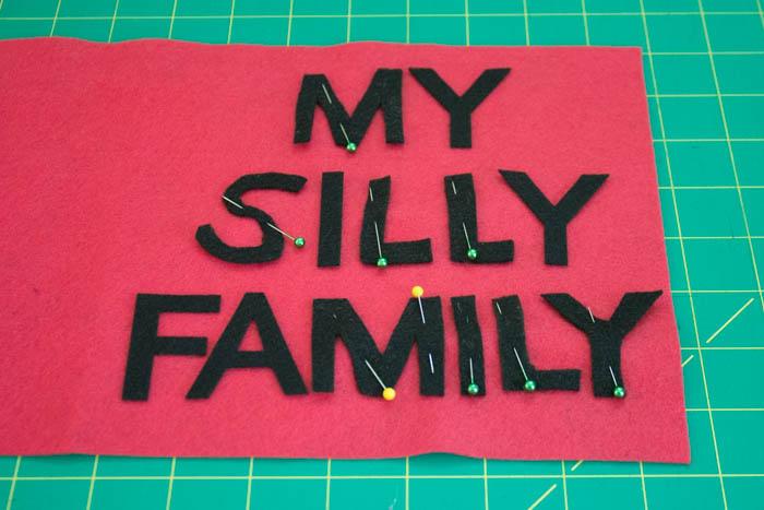 Фотоальбом из фетра-приколите буквы