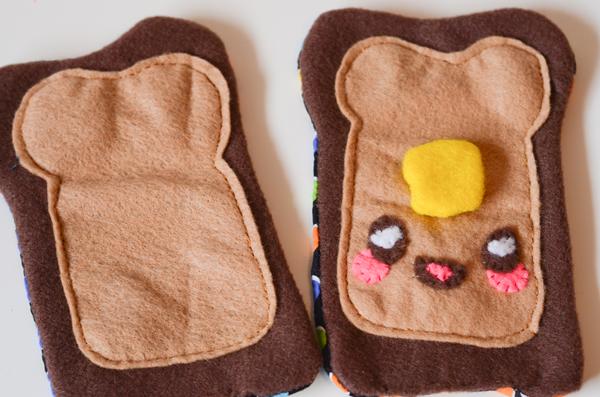 Чехол для телефона из фетра-пришейте другую бежевую деталь на коричневую