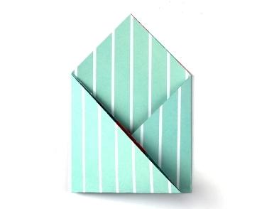 Конверт оригами-заверните левый угол