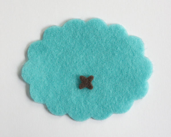 Монстрики из фетра-приложите к животику деталь пупка