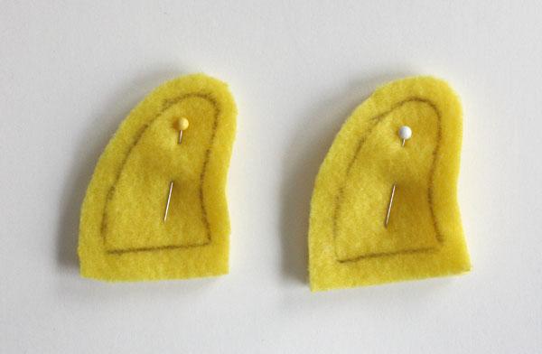 Монстрики из фетра-сколите рожки булавками