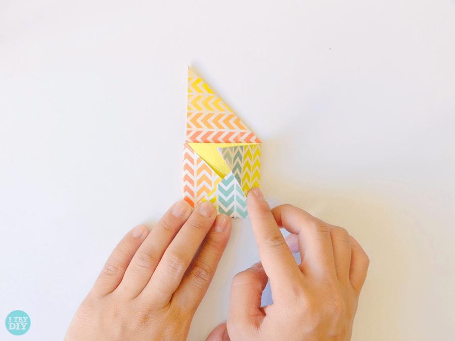 Конверт оригами-загните правый угол