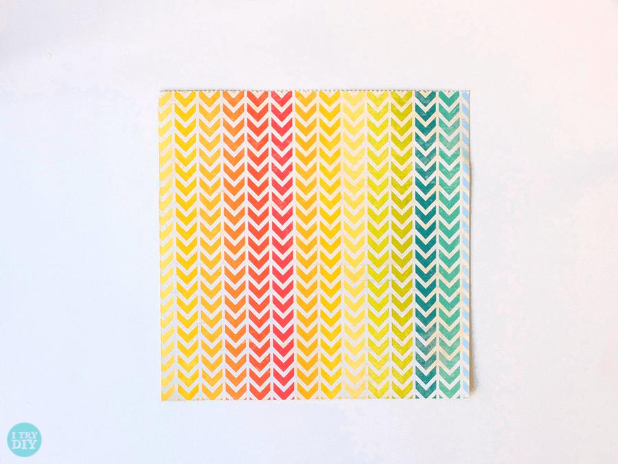 Конверт оригами-вырежьте квадрат