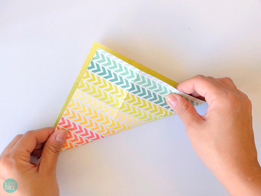 Конверт оригами-заверните по диагонали