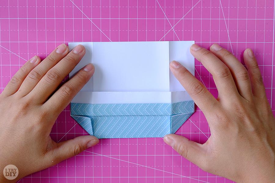 Оригами конверт для денег-переверните бумагу