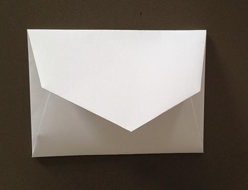 Оригами конверт с сюрпризом-закройте конверт