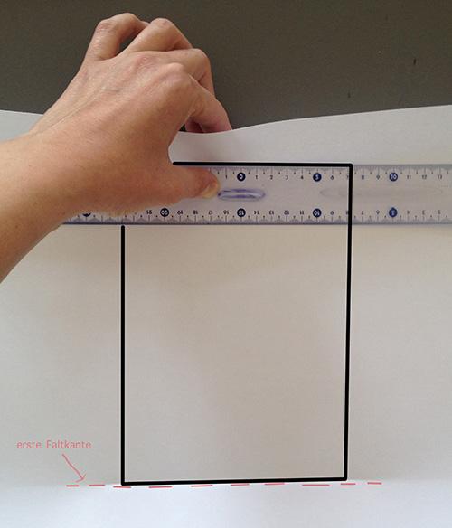 Оригами конверт с сюрпризом-загните бумагу с другой стороны