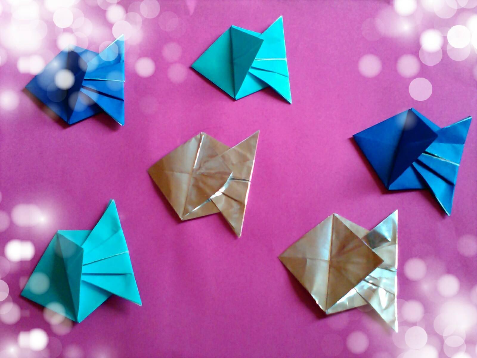 Оригами рибка-золотые и серебряные рыбки