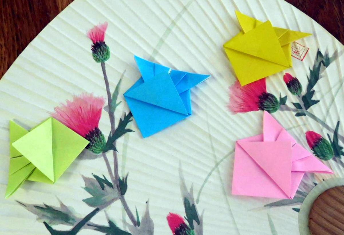 Оригами рибки на веере