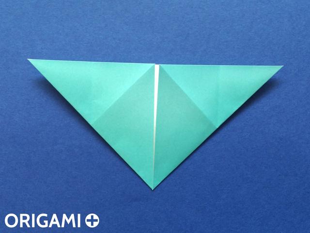 Оригами рибка-загните углы снизу