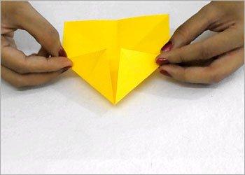 Оригами звезда ниндзя-загните углы