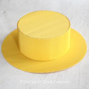Бумажная шляпа-основа готова