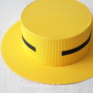 Бумажная шляпа-приклейте черную полоску
