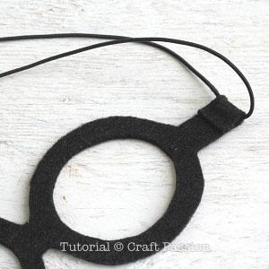Бумажная шляпа-прикрепите резинку