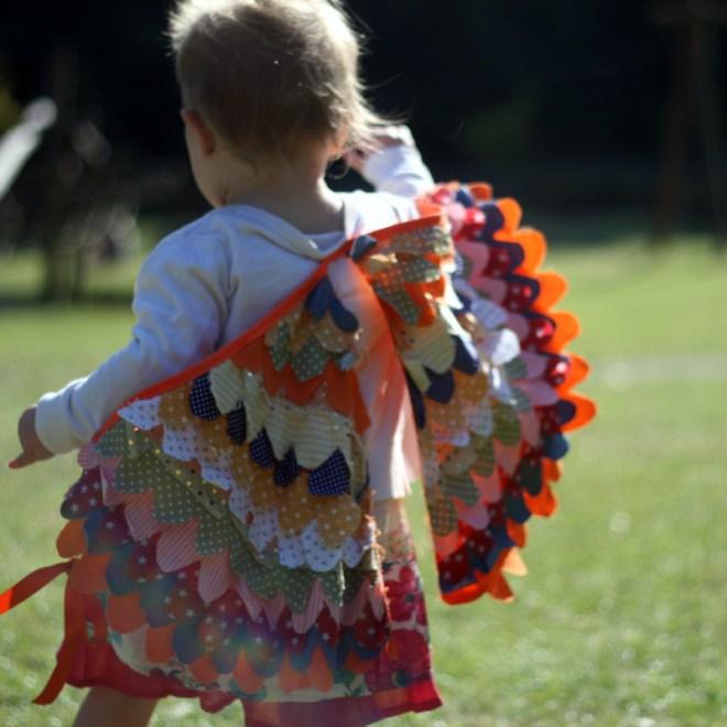 Костюм пирата-прикрепите крылья на костюм
