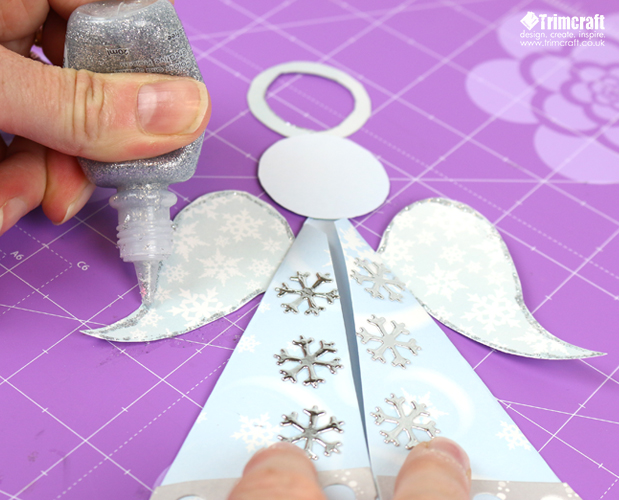 Ангел из бумаги-добавьте блеск