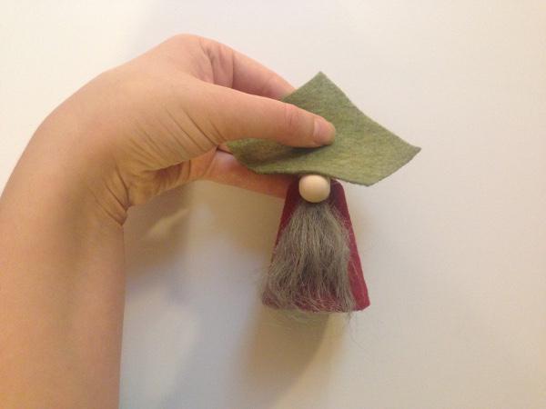 Гномики из фетра-зафиксируйте шляпу