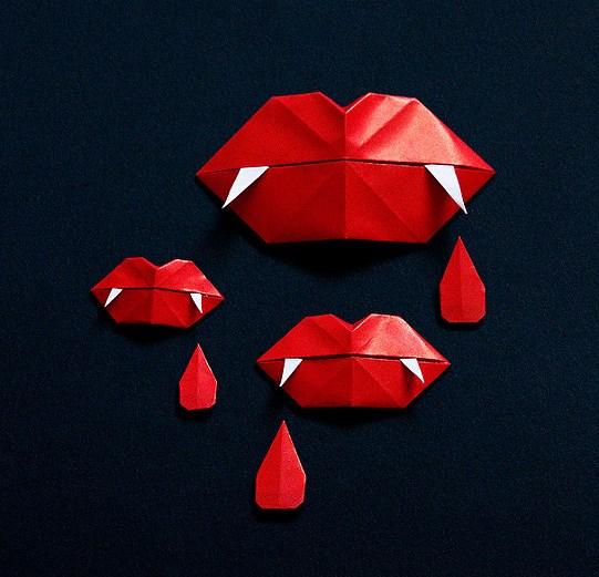 Оригами губы из бумаги