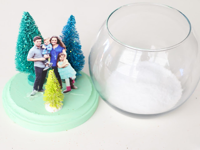 Снежный шар-насыпьте соль