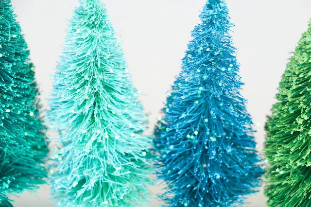 Снежный шар-елочки с блеском