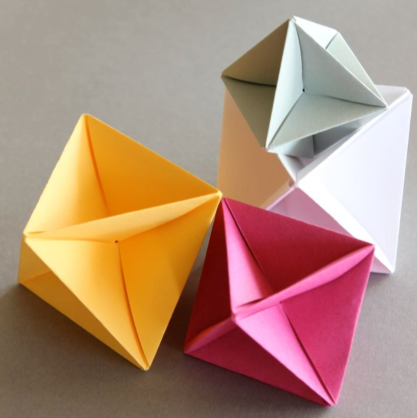 Вертушка из бумаги в технике модульного оригами