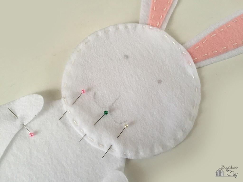 Как сшить зайца из фетра?