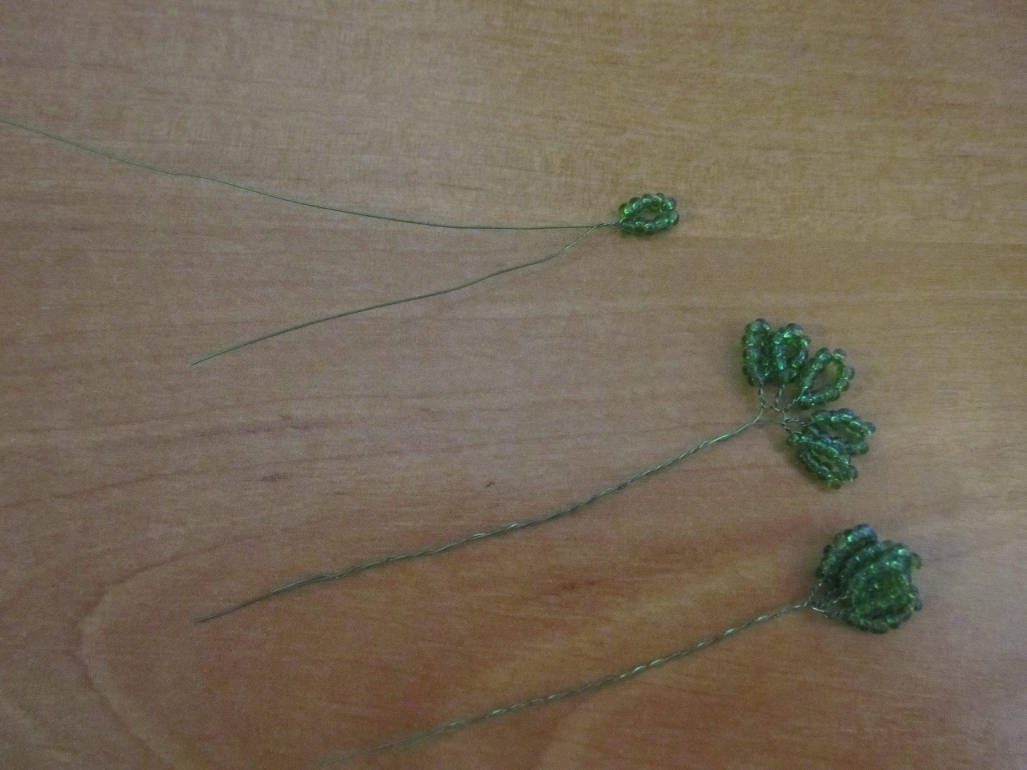 Листья из бисера для бонсай