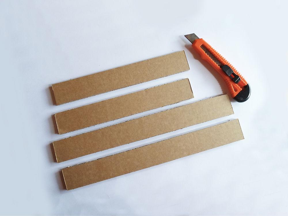 Новогодняя картина из бумаги-вырежьте полоски для рамки