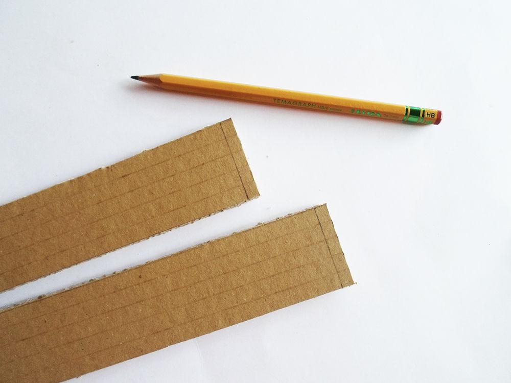 Новогодняя картина из бумаги-отмерьте небольшие участки