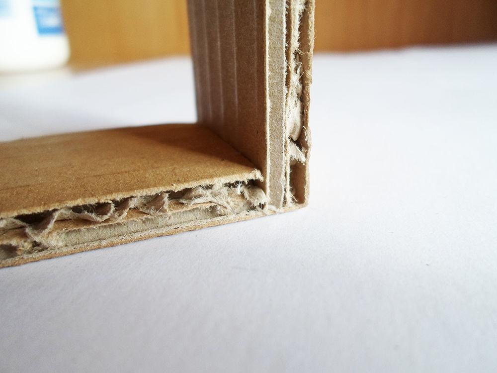 Новогодняя картина из бумаги-склейте 2 полоски вместе