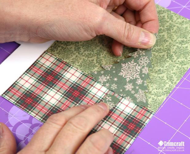 Новогодняя открытка-приклейте елочку