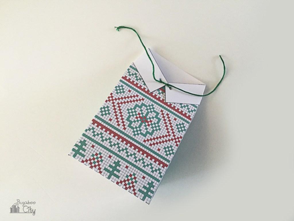 Новогодняя подарочная упаковка-завяжите бантик