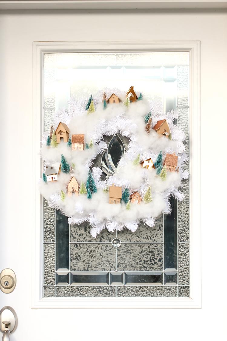 Рождественский венок своими руками на двери