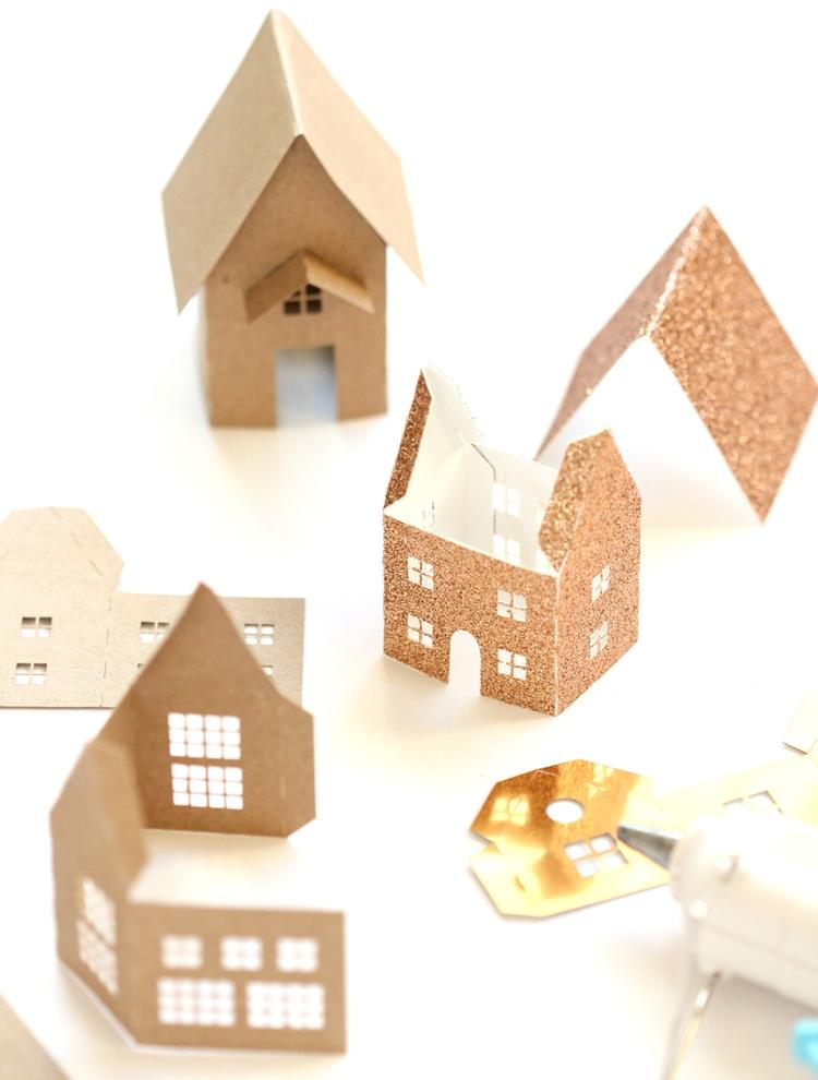 Рождественский венок-склейте домики