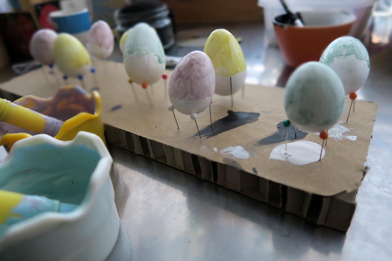 Декор пасхальных яиц-покрасьте яйца