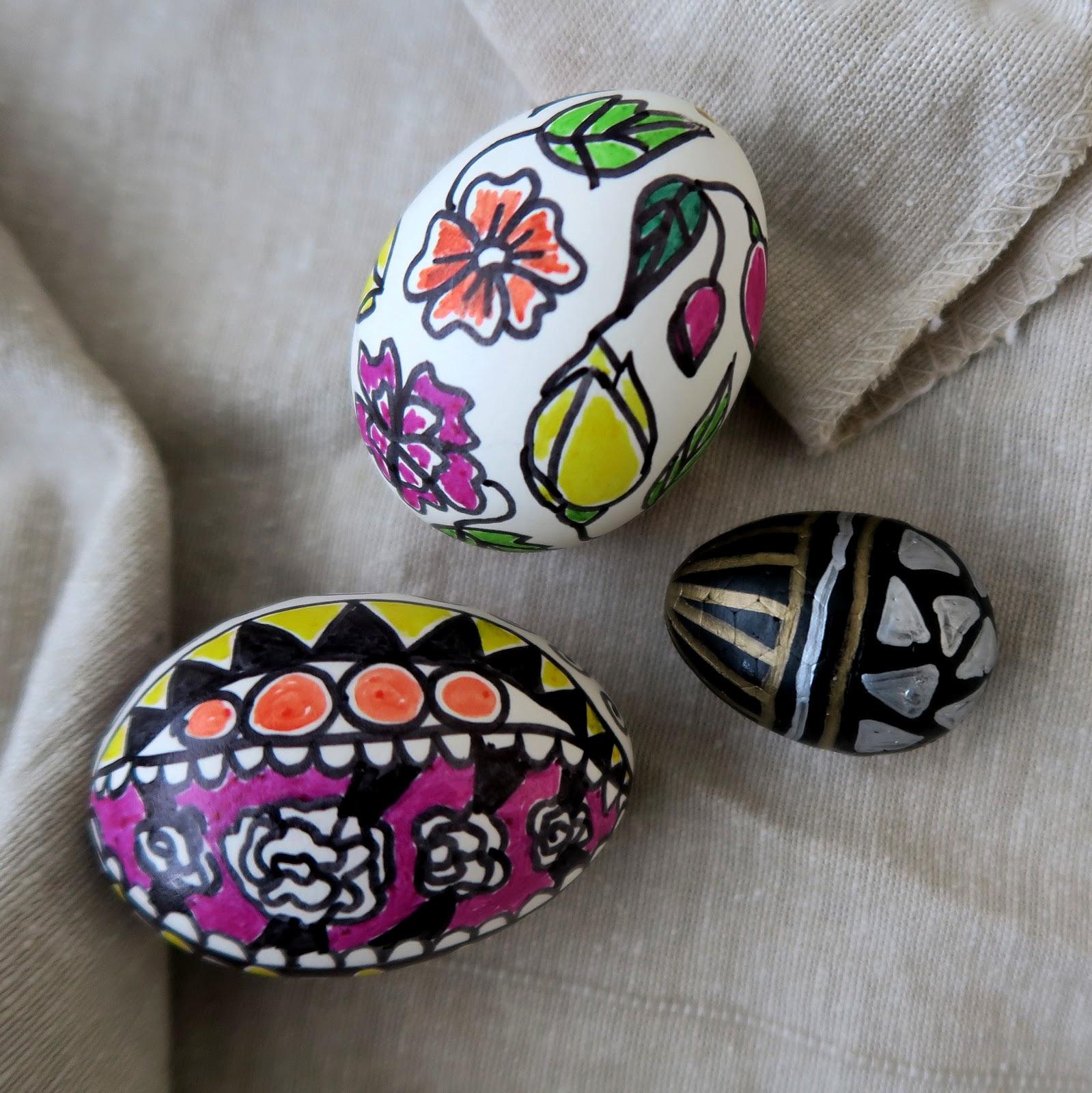 Декор пасхальных яиц маркерами
