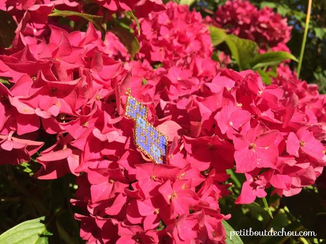 Красивые серьги из бисера в цветах
