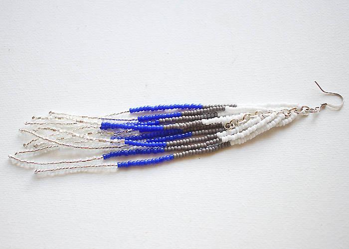Длинные серьги из бисера-одна сережка сделана