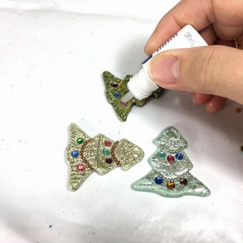 Елочка из полимерной глины-покройте кристаллы клеем