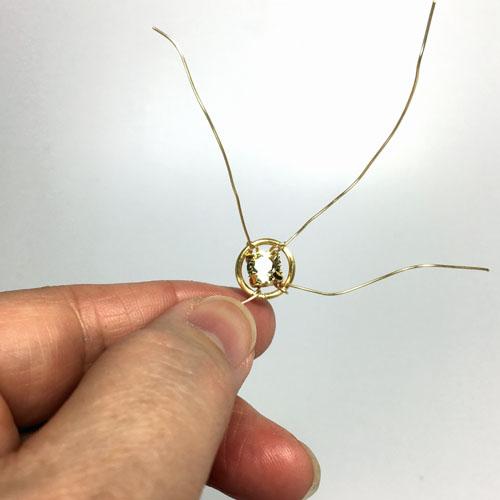 Елочка из полимерной глины-зафиксируйте кристалл в кольце