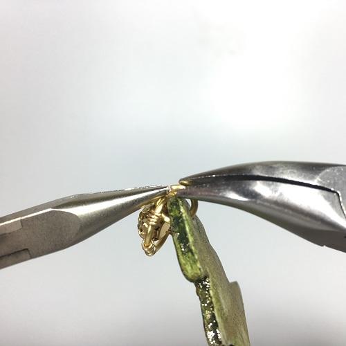 Елочка из полимерной глины-добавьте соединительные кольца