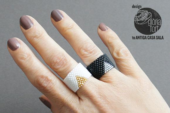 Кольцо из бисера для начинающих-2 кольца на руке
